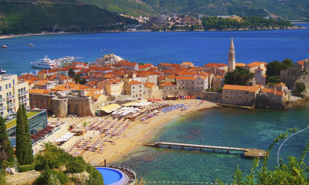 BYSTRAND: Montenegro har 30 mil kyst, og mange flotte strender. Foto: Shutterstock / NTB Scanpix