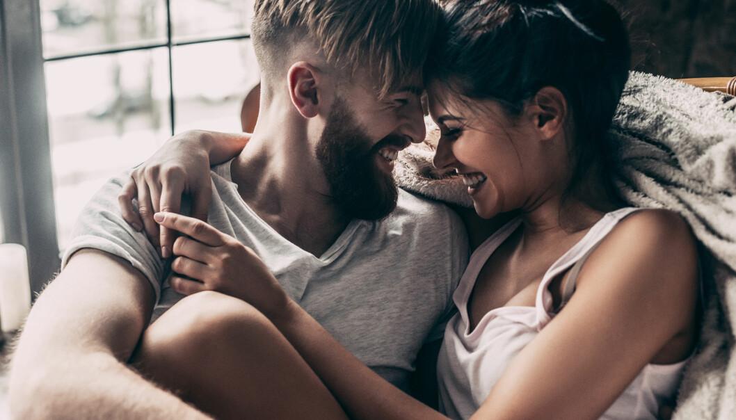 PARFORHOLD: Hvis dere ønsker å bevare det gode forholdet anbefaler eksperten dere å gå på date, ikke glem å være kjærester. I starten går man mye på date, men etter hvert dabber det ofte av. FOTO: NTB Scanpix