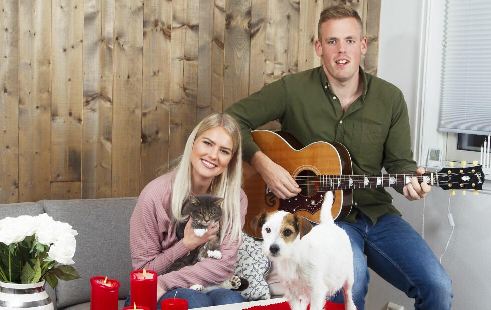 HJEMMEKOS: Steffen og Esther har kjøpt hus utenfor Grimstad. I juni inviterer de slekt og venner til stort bryllup i Fjære kirke. Foto: Svend Aage Madsen, TV 2 og privat