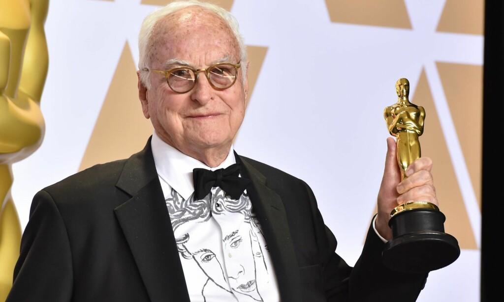 ELDSTE NOEN SINNE: James Ivory, regissøren bak «Et rom med utsikt» og «Tilbake til Howards End», ble tidenes eldste Oscar-vinner i helgen. Foto: Matt Crossick / Scanpix