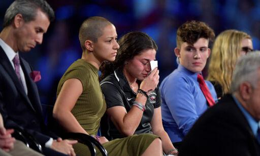 image: Emma (18) kan velte USAs våpenlover