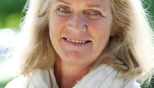 <strong>STØTTER BESTEFORELDRE:</strong> Christin Engelstad (53) , kommunikasjonssjef i Seniorsaken, journalist og mor til to voksne barn. Foto: Britt Krogsvold Andersen.
