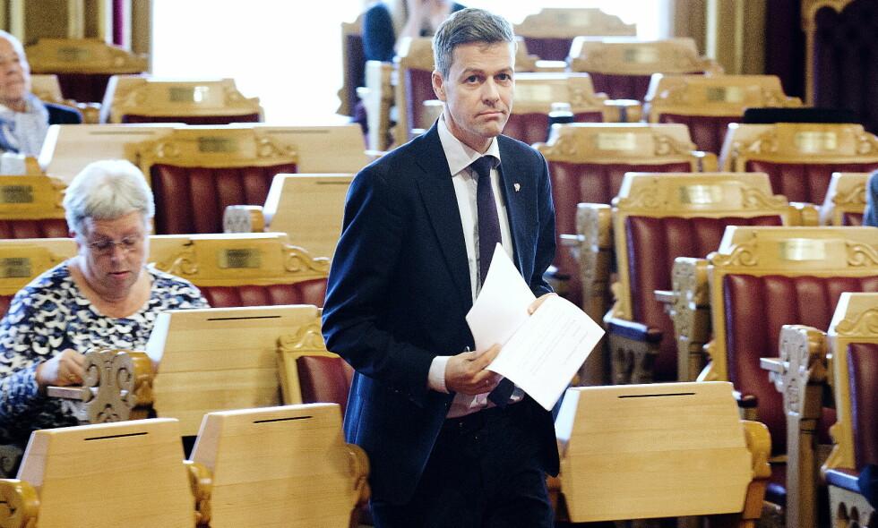 STERK KRITIKK: Både KrF-leder Knut Arild Hareide og parlamentarisk leder i Venstre, Terje Breivik, kom med sterk kritikk av stortingspresident Olemic Thommessen i formiddag. Om flertallsstøtten til Thommessen ryker, gjenstår å se. Foto: Henning Lillegård / Dagbladet .
