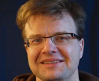 FORSKER PÅ SØVN: Arne Fetveit, forsker ved Avdeling for allmennmedisin ved Universitetet i Oslo. Foto: UIO.