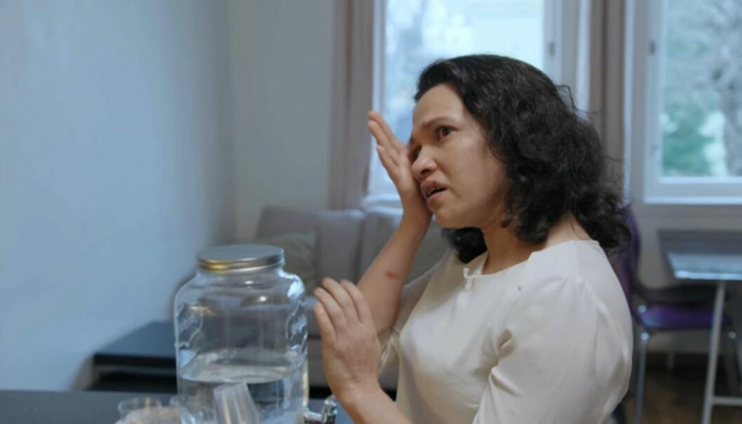 <strong>TYDELIG PÅVIRKET:</strong> Tin blir raskt følsom når det snakkes om familiens økonomiske situasjon. Foto: TV3