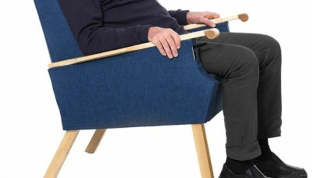 SPESIALSTOL: En stol som dette er bare en av tusenvis av hjelpemidler på markedet. Foto: HjelpemiddelPartner.