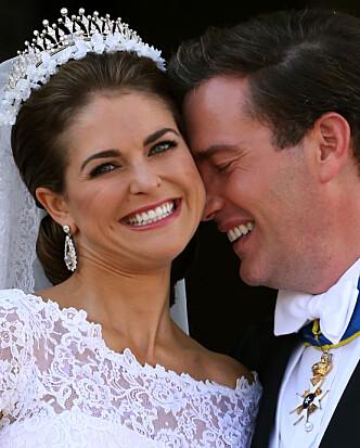 <strong>NYGIFT:</strong> Madeleine og Chris strålte på bryllupsdagen sin 8. juni 2013. Foto: NTB scanpix