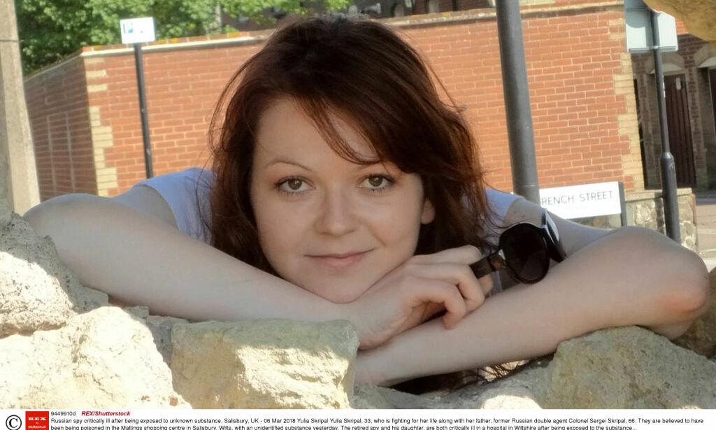 image: Julia (33) funnet livløs sammen med sin spiondømte far