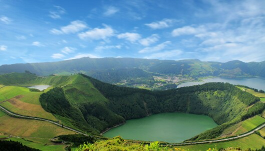ASORENE: Innsjøen i Sete Cidades i Portugal er et ekte paradis. Foto: Scanpix.
