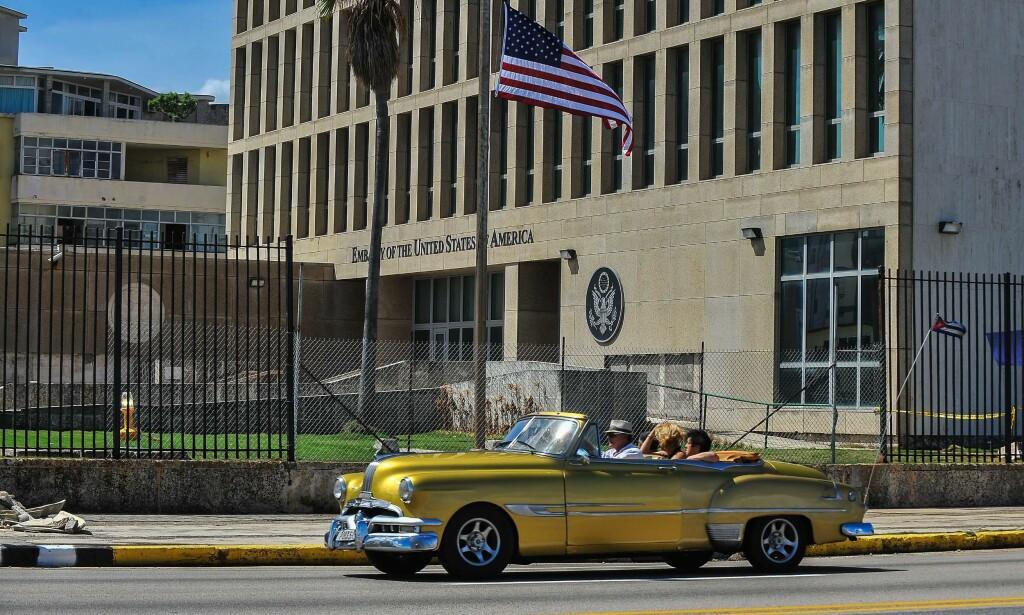 MYSTERIUM: Over 20 amerikanske diplomater og ansatte ved den amerikanske ambassaden i Havanna ble på mystisk vis syke. Det hevdes at de skal ha blitt utsatt for såkalte «soniske angrep». Nå kan en del av mysteriet være løst. FOTO: NTB Scanpix / AFP PHOTO / YAMIL LAGE