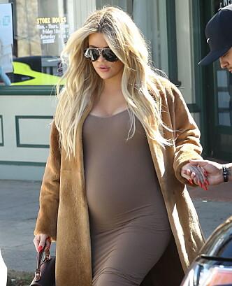 GRAVID: Khloé Kardashian avslørte graviditeten like før jul. Foto: NTB scanpix