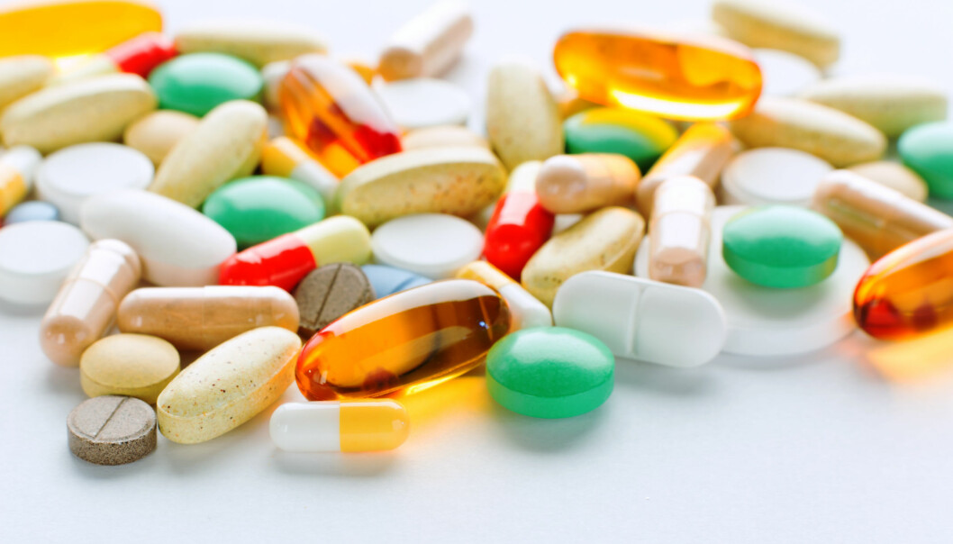 <strong>FARLIG:</strong> Bruk av kosttilskudd hos personer med demens kan være risikabelt både i henhold til dosering og påvirkningen av andre medisiner. Foto: Scanpix.
