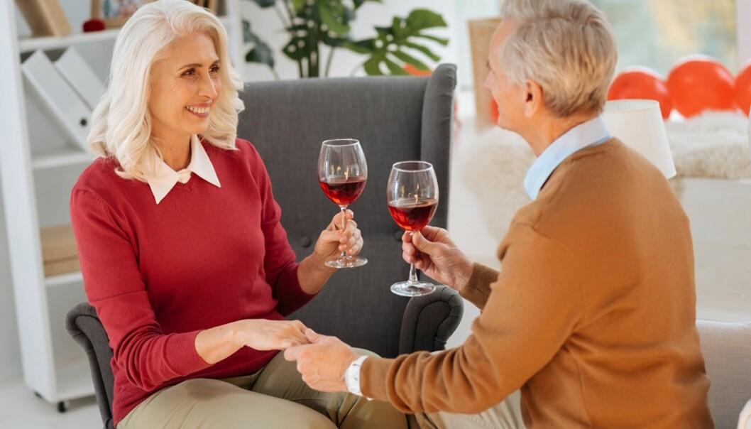 KAST DEG UT I DET!: Klart du kan møte en ny partner i voksen alder. Ekspertene gir deg tipsene. Foto: Scanpix.