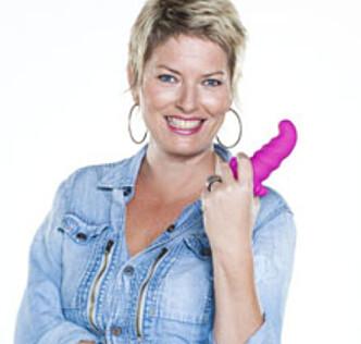 SEXPIRATOR: Cecile Kjensli, sexpirator, innehaver av nettbutikken Cpunktet.no og forfatter av boken «Sex fra Ah til Åh». Foto: Cpunktet.no