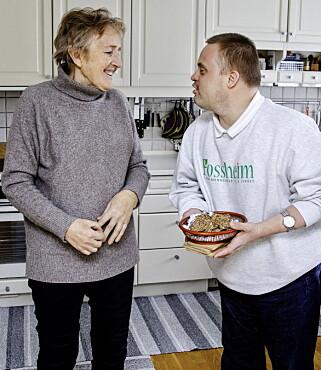 MOR OG SØNN: Aashild har hatt sønnen på besøk den siste uka. Foto: Nina Hansen / Dagbladet