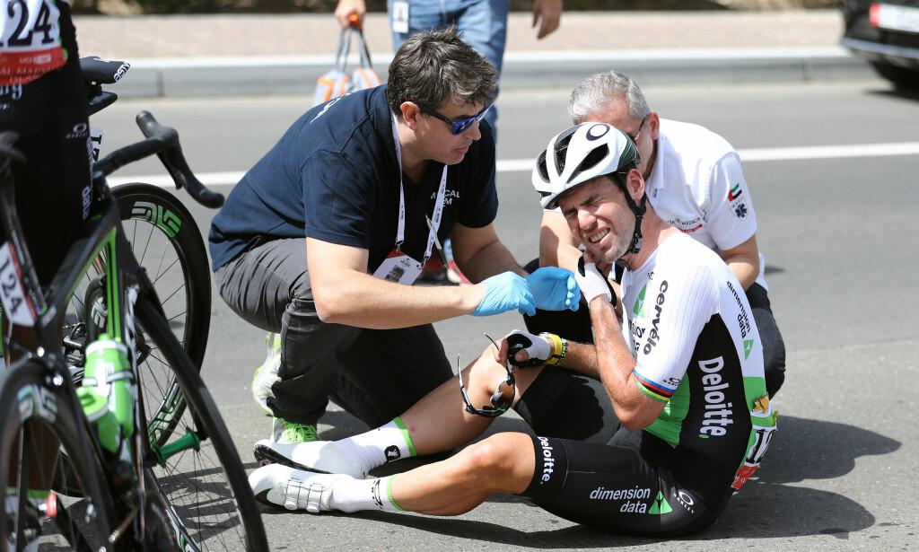 HØY RISIKO: Velten i Abu Dhabi (som ga ham hjernerystelse) kombinert med velten i 55 kilometer i timen under Tirreno-Adriatico, kunne gått riktig ille for Mark Cavendish. FOTO: Tim De Waele/TDWSPORT.COM