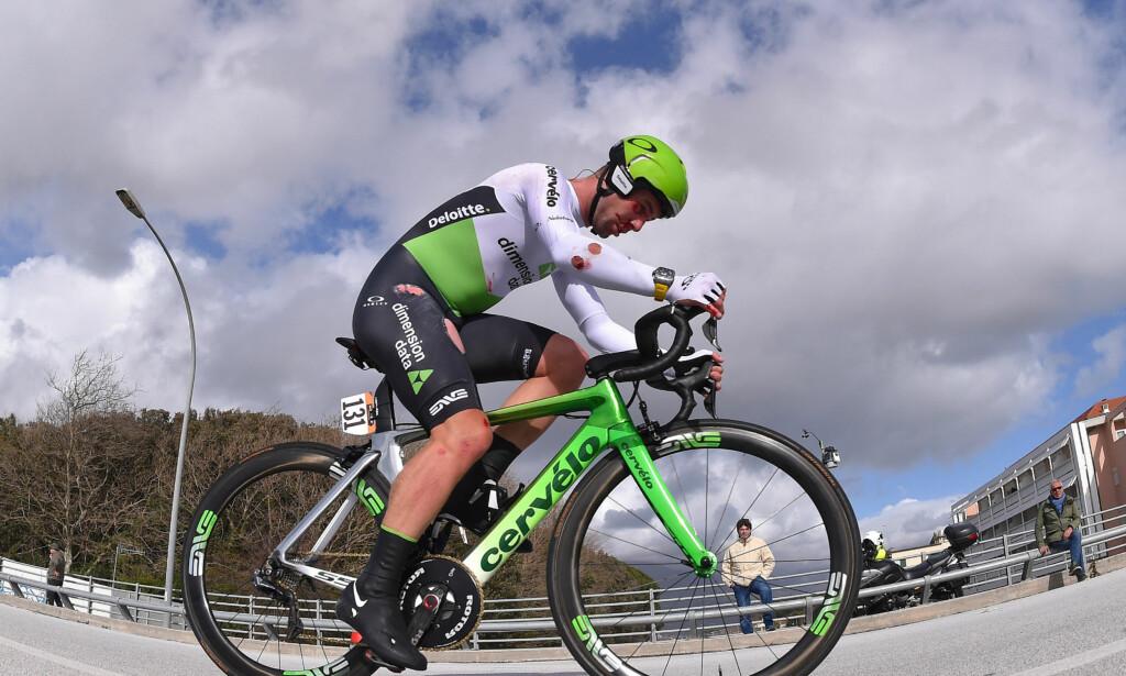 BLODIG: Slik så Cavendish ut etter velten under Tirreno-Adriatico, onsdag. FOTO: Tim De Waele/TDWSPORT.COM