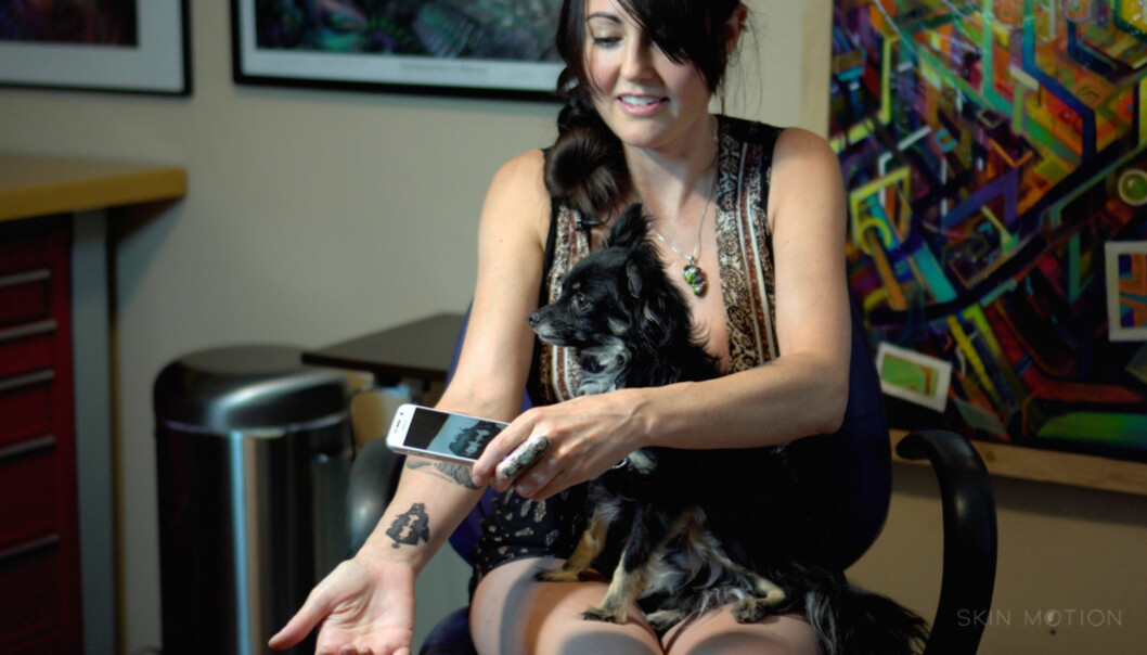LYDBØLGE-TATOVERINGER: I USA har man nå begynt å lage tatoveringer som du faktisk kan høre. FOTO: Skin Motion