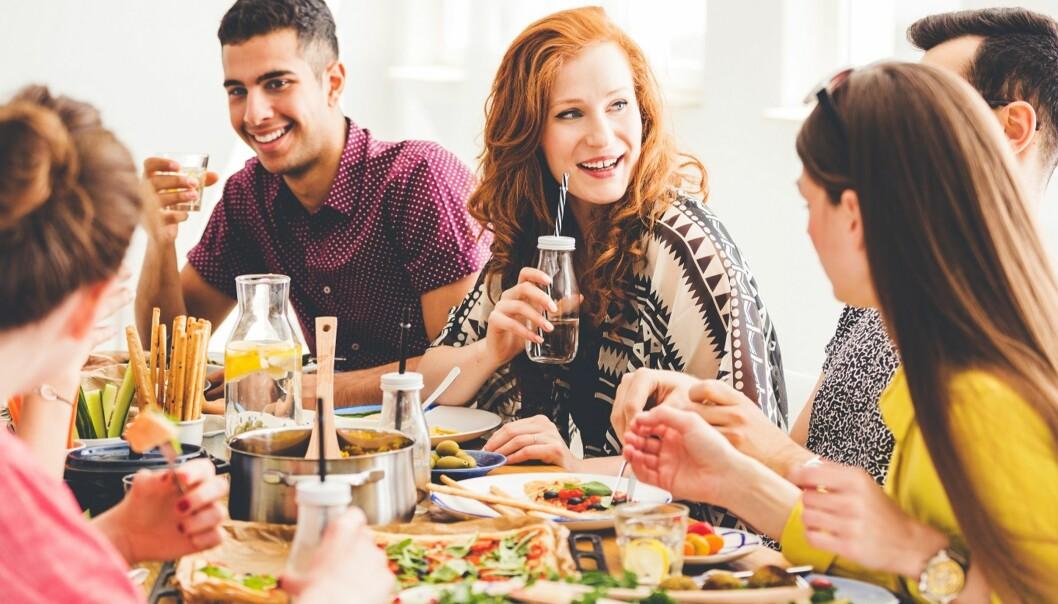 PORSJONSSTØRRELSE: Med alle grytene på bordet er det lett å ta en porsjon til. Og kanskje en til. FOTO: NTB Scanpix