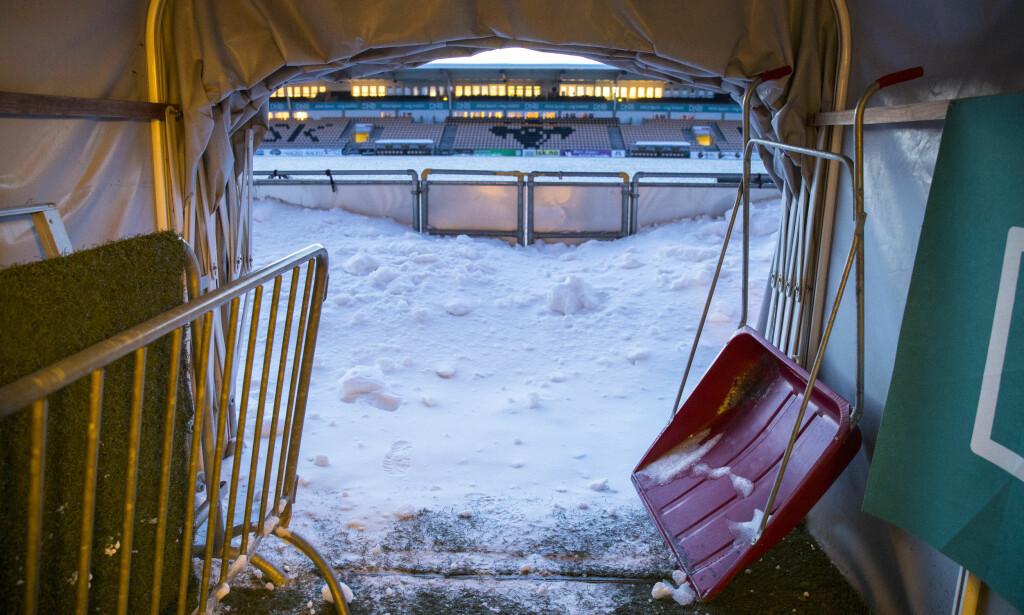 LAGT PÅ IS: Det kalde været skaper utsettelser. Foto: Vidar Ruud / NTB scanpix