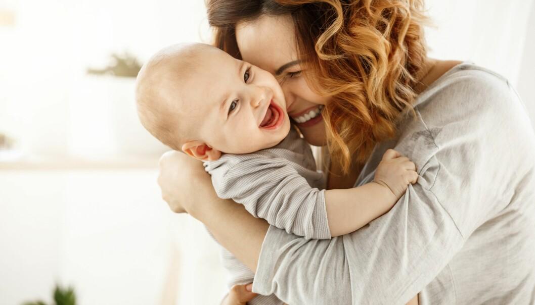 <strong>IKKE FARLIG:</strong> Tanker om å skade barnet betyr ikke at du kommer til å gjøre det. FOTO: NTB Scanpix