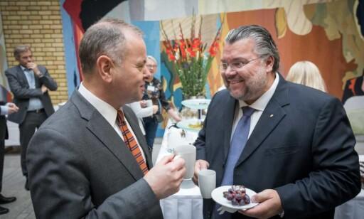 GODE BUSSER: Olemic Thommessen (H) og Morten Wold (Frp) har jobbet sammen i Stortingets presidentskap. Foto: Stortinget.