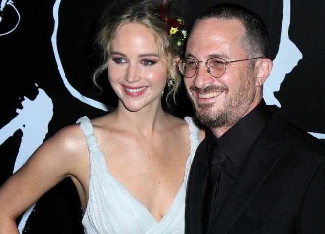 EKS-KJERESTEN: I rundt ett år var Jennifer kjæreste med regissøren Darren Aronofsky. Her sammen på New York-premieren av filmen «Mother!» i oktober i fjor. Foto: NTB Scanpix