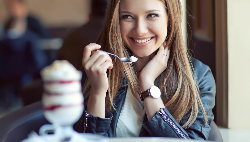 KONTROLL: Søtsuget kan være vanskelig å få bukt med, men det er noen tips som gjør det enklere å kontrollere inntaket. FOTO: NTB Scanpix