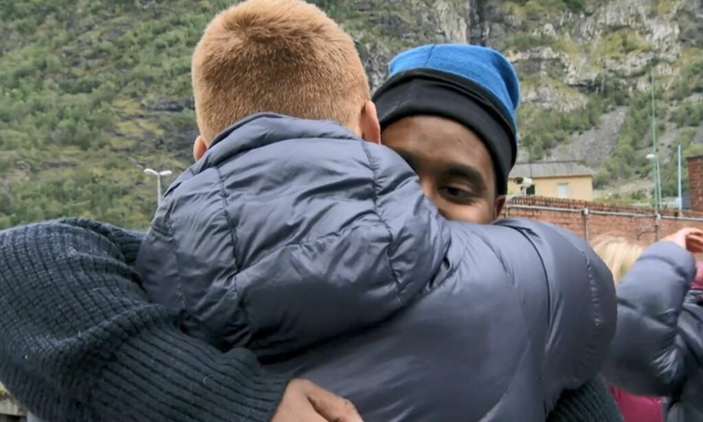SENDT HJEM: Eventyret tok slutt for Abiel Tesfai etter fire episoder. Det var lenge jevnt mellom han og Jan Thomas, men til slutt var det P3-profilen som måtte anerkjenne tapet. Foto: Skjermdump, Discovery