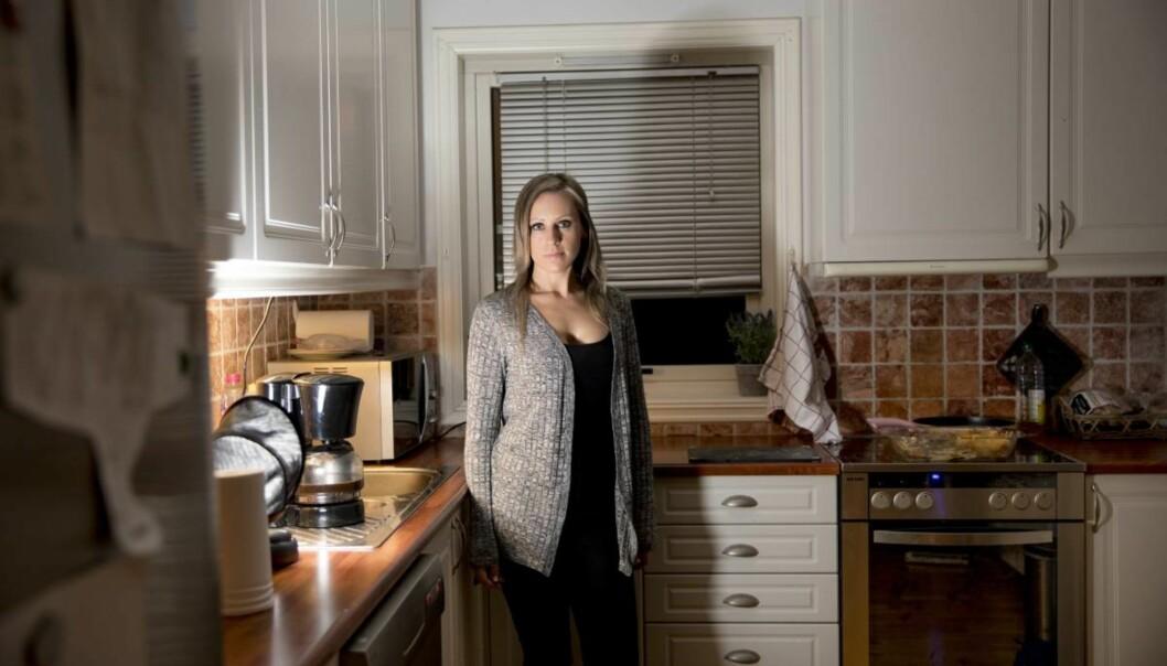Carina (30) sitter igjen med 700 000 kroner i gjeld etter å ha møtt drømmemannen