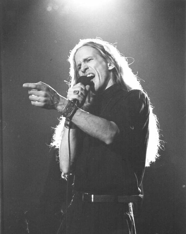 ROCKER: Elg skal forsøke å sanke stemmer med «I Don't Want to Miss a Thing» av Aerosmith. Foto: Privat