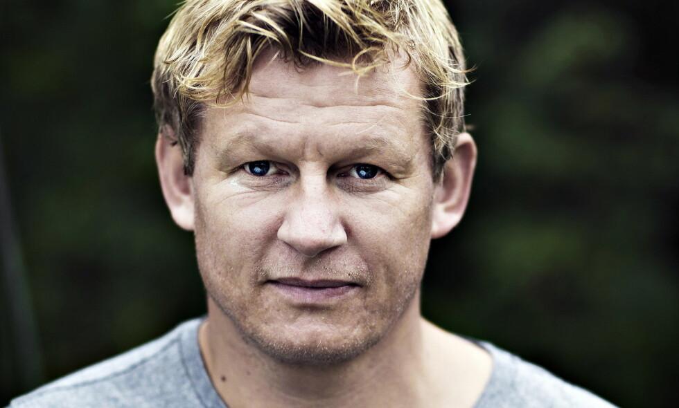 PÅ EGNE BEIN: Store deler av sitt voksne liv har Steffen Iversen vært i et forhold. Nå tar han fatt på en ny hverdag som singel. Foto: Haakon Nordvik