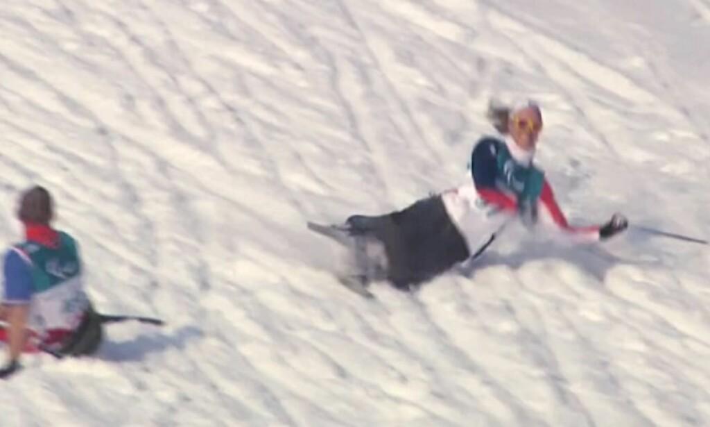 FALT: Her kjører Birgit Skarstein nesten på en liggende kroatisk utøver på trening. Foto: Jørn Tveter / brukt med tillatelse av NRK.