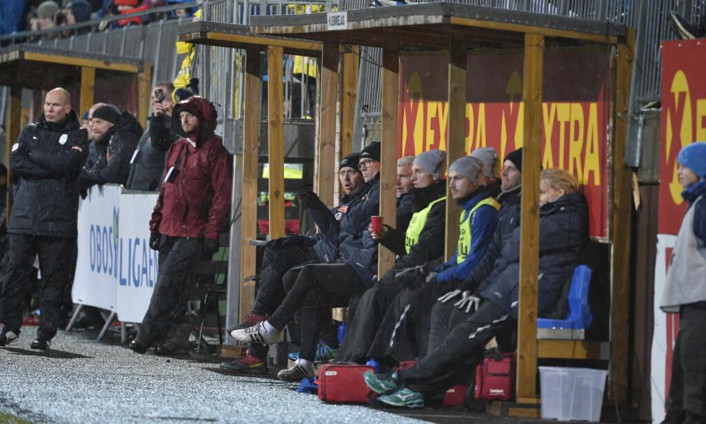 UTSATT: Dommeren var ikke fornøyd med baneforholdene i Ranheim. Dette bilde er fra kvaliken mellom Raneim og Sogndal høsten 2017. Foto: NTB Scanpix
