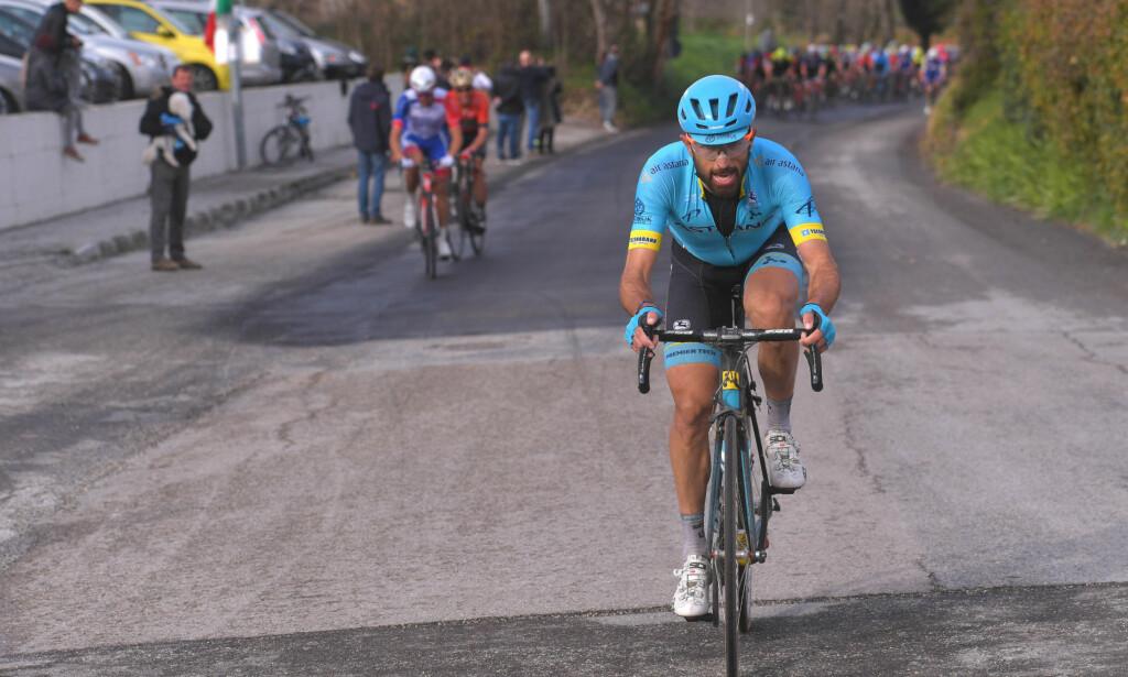TIDLIG FORSØK: Dario Cataldo ville hedre bestekompisen sin, men ble hentet inn av hovedfeltet FOTO: Tim De Waele/TDWSPORT.COM