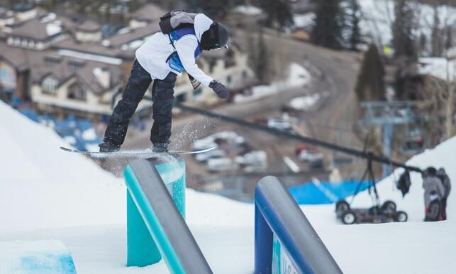 KJØRER MED SEKK: Fridtjof Tischendorf. Foto: Snowboardforbundet/Glenn C. Pettersen