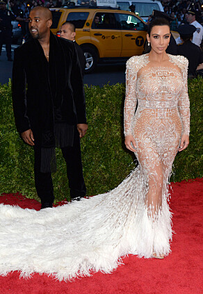 FAVORITT: Kim Kardashian er blant de mange kvinnene verden over som har falt for Givenchys design. Her på Met-gallaen i 2015. Foto: NTB scanpix