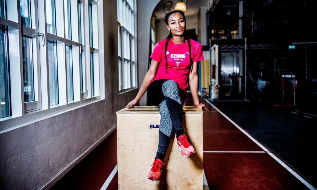 VONDE MINNER: Ezinne Okparaebo hadde en topp idrettskarriere. Likevel sitter hun igjen med opplevelser som viser hvor vanskelig det er å bekjempe rasisme i Norge. Det er en utfordring også for idretten. FOTO: Thomas Rasmus Skaug / Dagbladet.