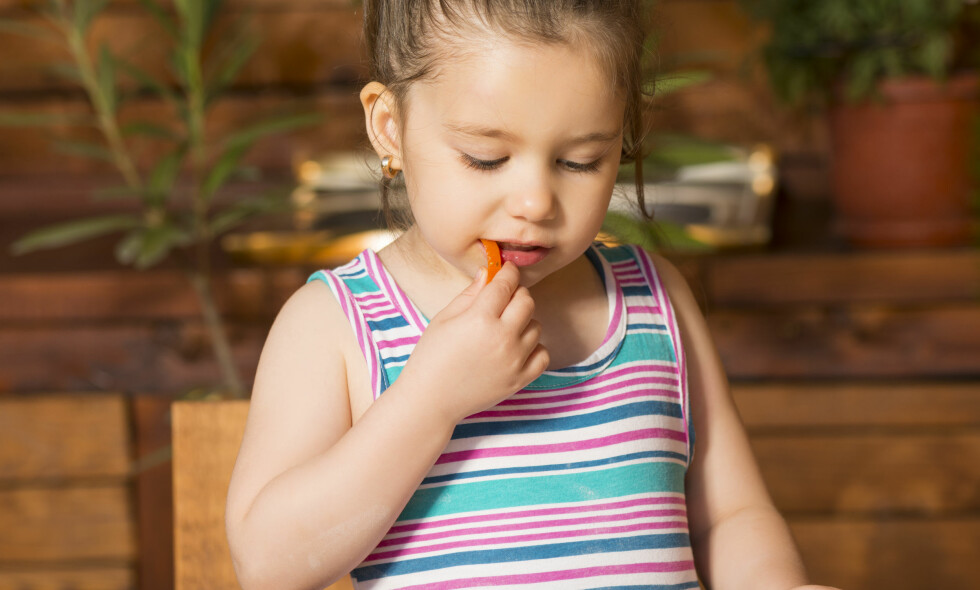 NY STUDIE: Forskerne fulgte barnehagebarn som spiste fisk til lunsj tre ganger i uken, og resultatene var overraskende. (Foto: Alexandru Marian / Shutterstock / NTB scanpix)