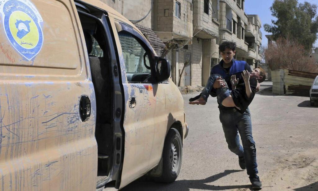 RESOLUSJONSFORSLAG: FN-ambassadør Nikki Haley truer med «handling» dersom Russland ikke stemmer for våpenhvile i Syria. Foto: De hvite hjelmene