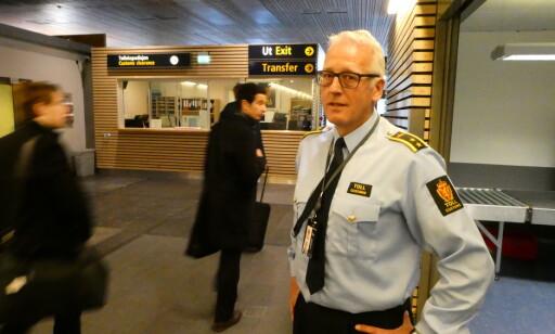 PASSER PÅ: Seksjonssjef Tor Fredriksen advarer mot å handle med kriminelle på internett: - Du gambler med livet. Foto: Lars O. Gulbrandsen