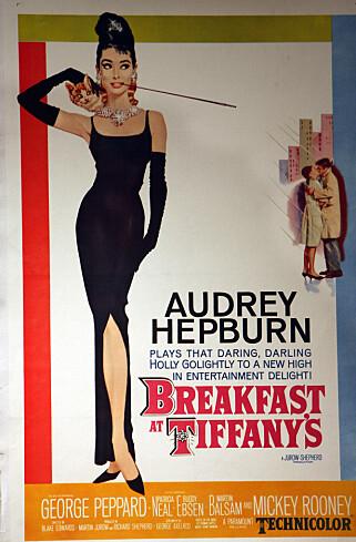 """IKONISK: Audrey Hepburn i Givenchy i """"Breakfast at Tiffany's"""" fra 1961."""