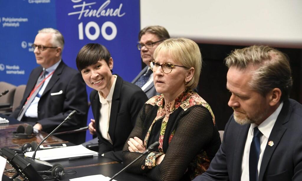 PÅ PLASS: Utenriksminister Ine Marie Eriksen Søreide sammen med de andre nordiske utenriksministerene under Nordisk ministerråd i november i fjor. <cutline_name>Foto: Markku Ulander / Lehtikuva / NTB scanpix </cutline_name>