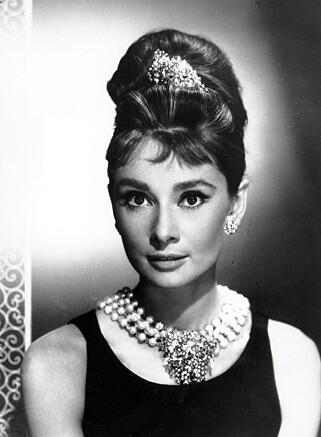 "GJENKJENNELIG: Audrey Hepburn i Hubert de Givenchys originalantrekk i ""Breakfast at Tiffany's"". Foto: AP/Scanpix."