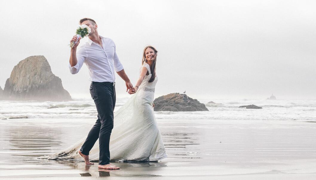 <strong>VIL GJØRE DET SAMME SOM DE I VENNEGJENGEN:</strong> - Når noen i venninnegjengen gifter seg, ønsker ofte resten av venninnene å gjøre det samme, sier eksperten. FOTO: NTB Scanpix