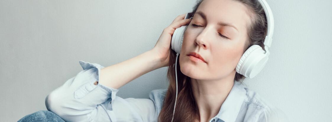 EKS-KJÆRESTE: I en ny undersøkelse kommer det frem at låten «Hello» av Adele får deg til å ville kontakte eksen din. Foto: plainpicture
