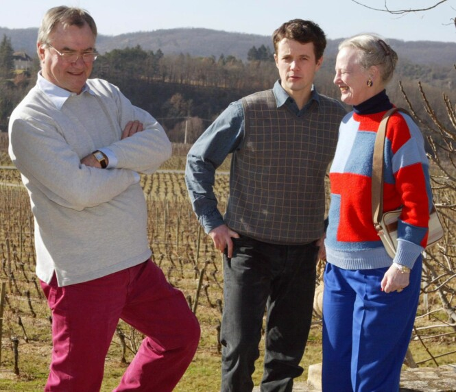 ARVING: Det er kronprins Frederik som får slottet. Prins Joachim har allerede sitt eget slott, og deres far ønsket at det skulle være likt for de to guttene. Her fotografert på vingården i 2002. Foto: NTB scanpix