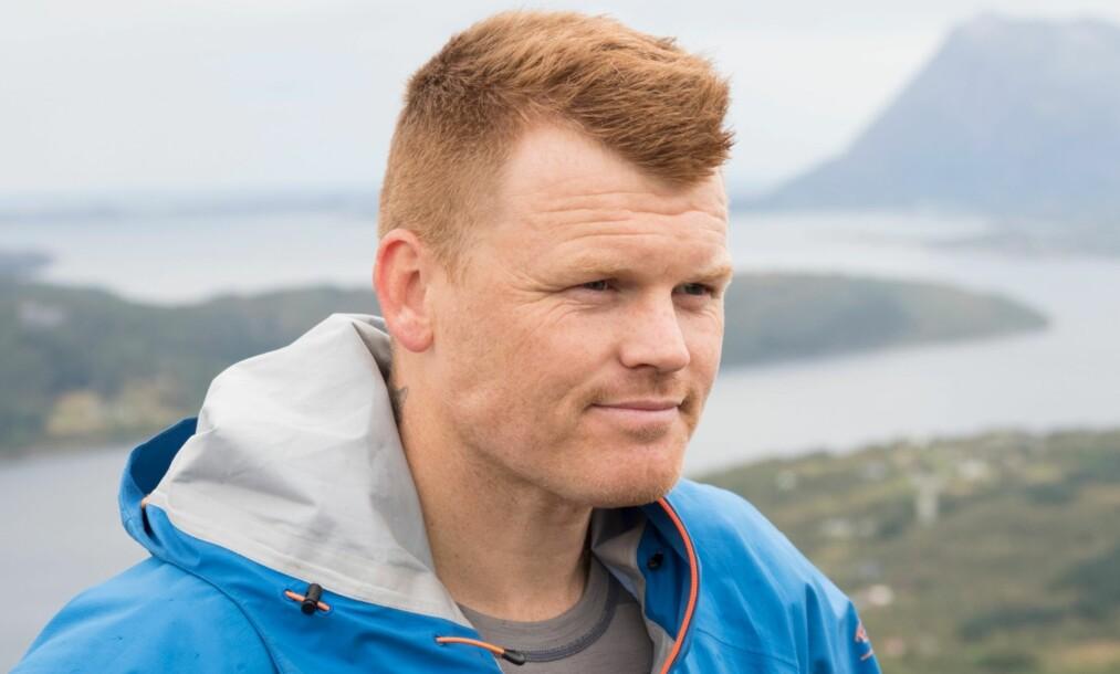 TRAKK SEG: Tidligere fotballproff John Arne Riise trakk seg fra utslagkonkurransen i kveldens «71 grader nord»-episode. Foto: TVNorge