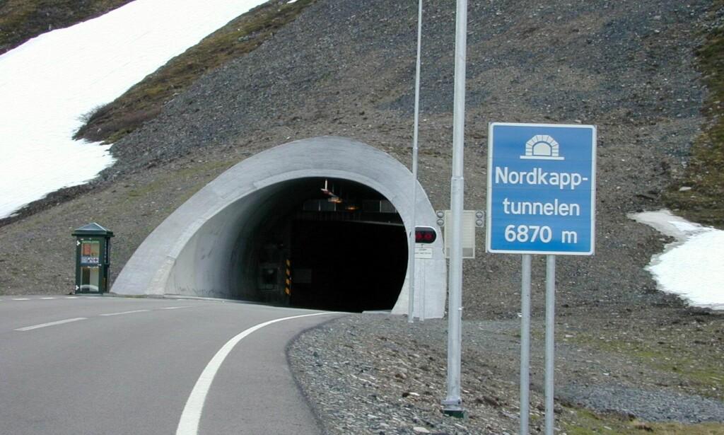 RASFARE: Flere veistrekninger i Nordkapp kommune er stengt på grunn av ras og rasfare. Foto:Tore Sannum / SCANPIX