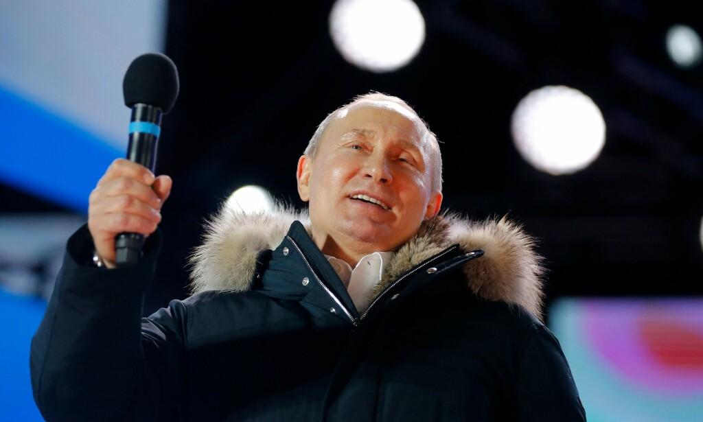FEIRET: President Vladimir Putin feiret valgseieren med en tale på Manezj-plassen utenfor Kreml. Foto: Aleksandr Zemljatsjenko / AFP / NTB Scanpix